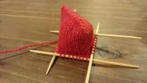 接ぎ目無しで袋が編める!?棒針の袋編み出し方法